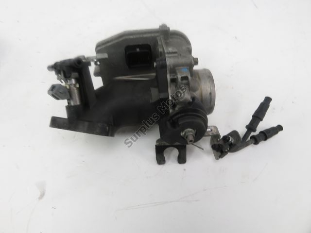 Corps d'injection droit PIAGGIO MP3 400